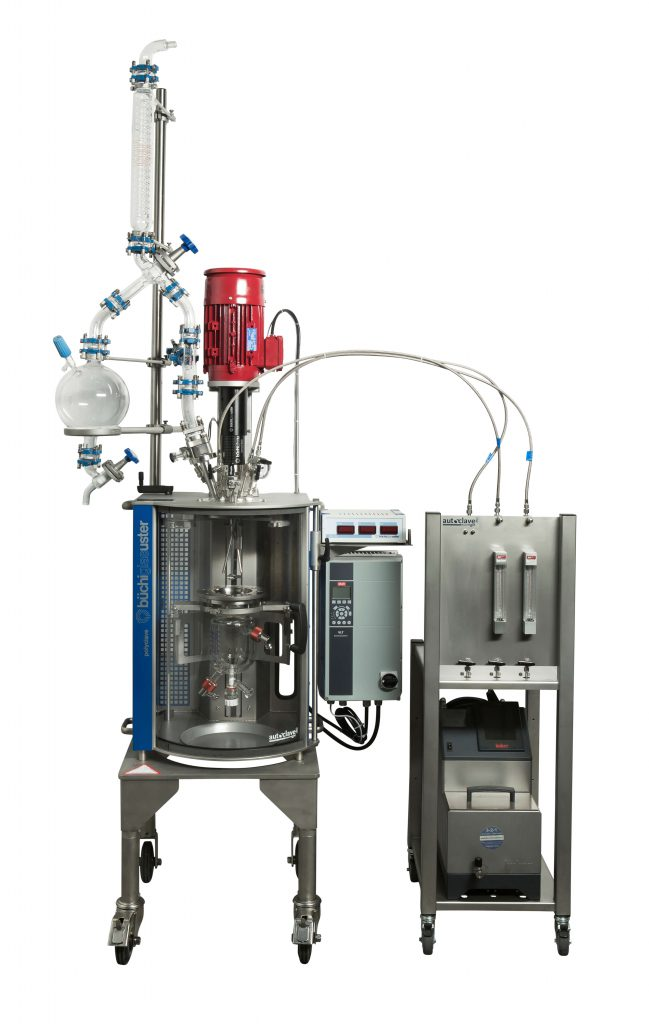 Polymerisation reactor with distillation set-up